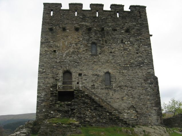 Dolwyddelan Castle 2 JPG.jpg